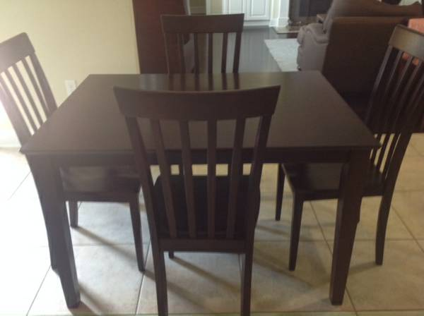 World Market table and four chairs - $200 (baton rouge)