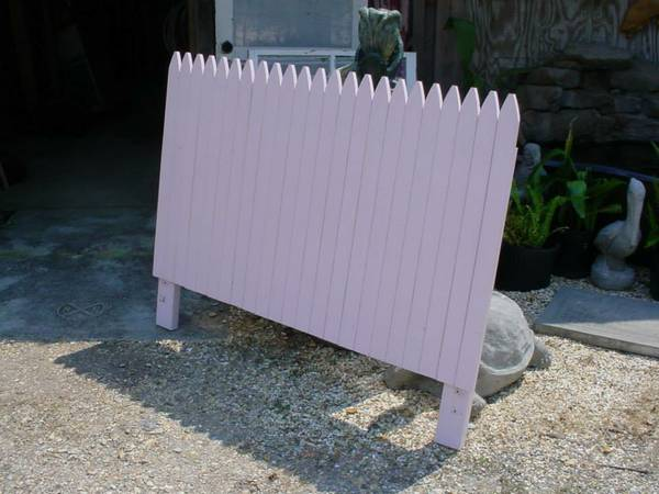 Picket Fence Headboard for a double Bed 54 wide - $25 (Ponchatoula)