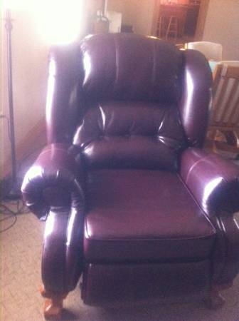 Leather Queen Anne Style Wing Recliner Chair - $200 (Albany)