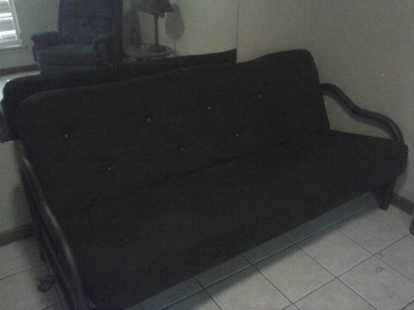 nice futon queen size. black metal frame - $125 (walker la)
