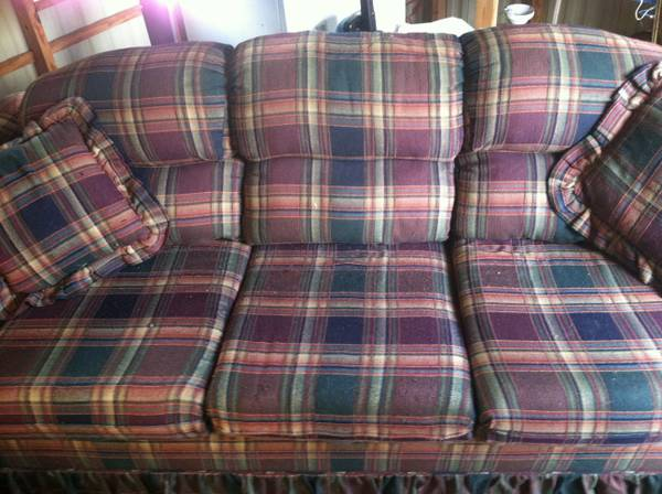 Very comfy La-z-boy sofa - $80 (Baton Rouge)