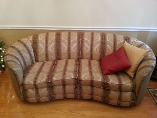 Antique Curved Back Couch  - $2100 (Denham Springs )