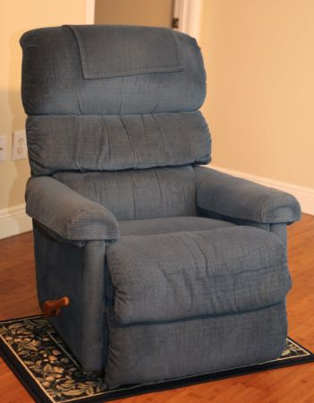 Lazy Boy Rocker Recliner (Bluebonnet-I10)