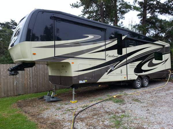 2011 Forest River Cardinal 3425 39  full paint -   x0024 46997  denham springs