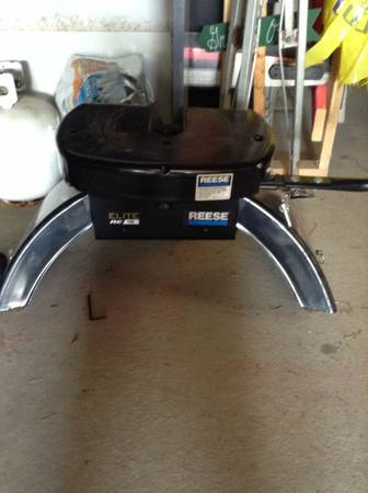 Reese 18K Elite Hitch 5th wheel - $120 (Hammond )