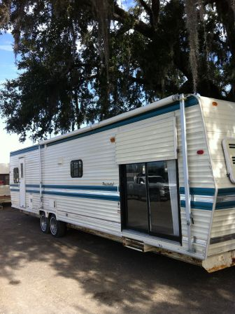 1995 36ft. Vacation Aire - $7500 (Gonzales)