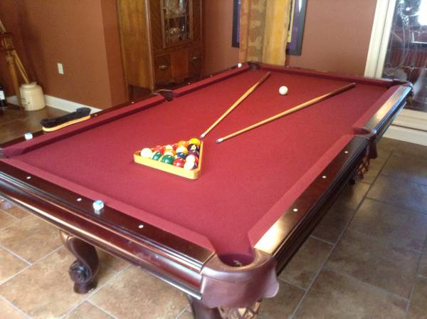 Gandy Pool Table, Cues, Racks - $855 (Louisiana)