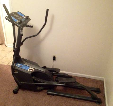 Horizon E95 Elliptical - $200 (Essen and Jefferson)