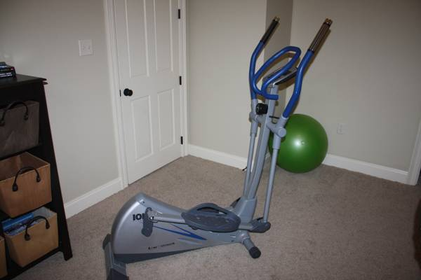 ION FITNESS ELLIPTICAL MACHINE - $90 (Prairieville)