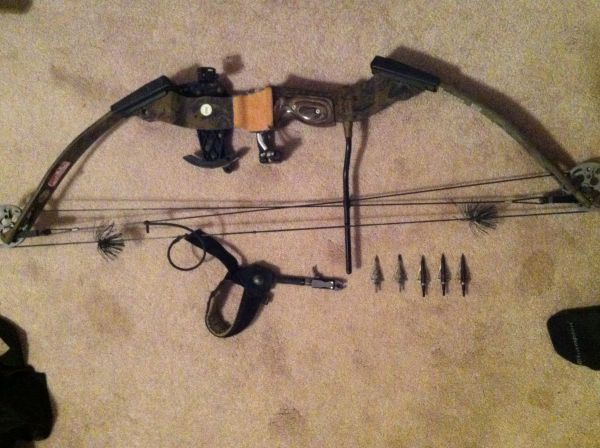 PSE Buckmaster left handed bow - $200 (Baton Rouge)