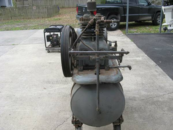 Devilbiss commercial air compressor -   x0024 550  Central