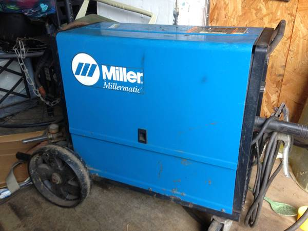 Miller Millermatic 185 Wire Welder with some copper wire in spool . - $1000 (Kenilworth Subdivison,  Baton Rouge, LA.)