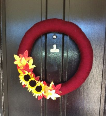 CUSTOM YARN WREATHS - $30 (Baton Rouge)