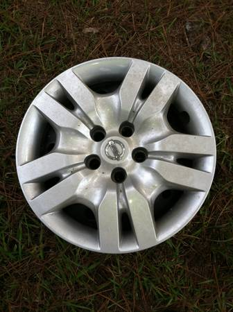 2011 Nissian Altima Steel wheels, Hubcaps, Lugnuts and tires 4 sale - $250 (Springfield, La)