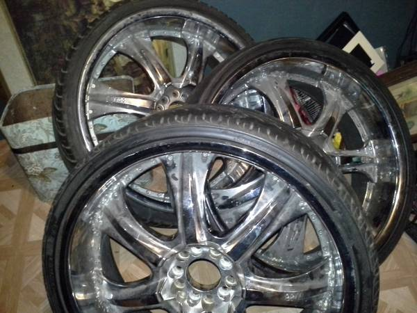 four 22 inch rims u2-35 - x0024500 (denham springs)
