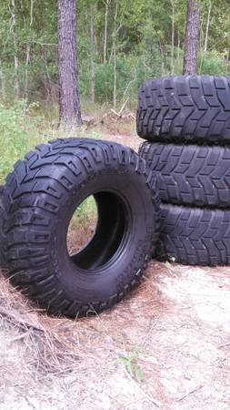 Set of 4 37565r16 36 Mickey Thompson Baja Claw mud tires 50 tread - $500 (Albany, La)