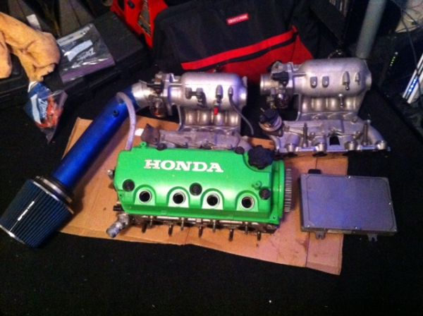 Honda Civic D16 motor parts - $150 (Hammond, La)