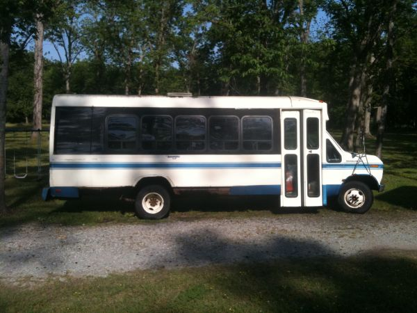 Ford E 350 shuttle bus conversion for parts, or fix it - $1000 (BR Southdowns)