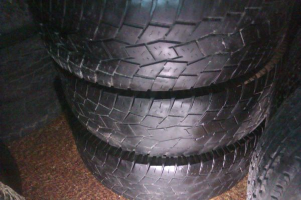 (4) TOYO 28575 R16 (33) AT tires - $120 (livingston)