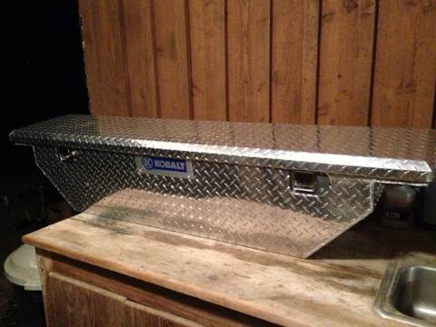 Kobalt Mid-Size Truck Tool Box LIKE NEW Truckbox Toolbox  - $125 (Baton Rouge)
