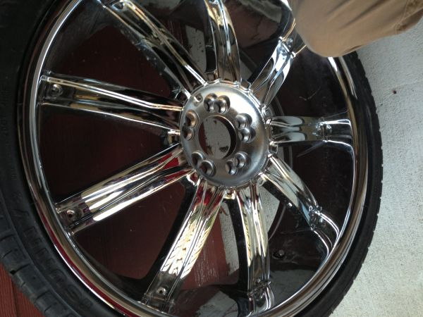 22 dcenti rims and tires - $850 (Baton Rouge )