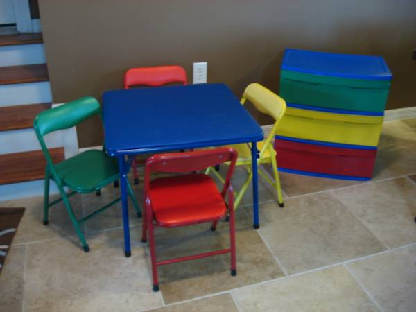 Kid s Table  4 Chairs  Matching Storage Drawers -  30