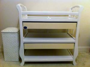 PALI WHITE AMY STYLE BABY NURSERY CHANGING TABLE WITH DRAWERS - x0024100 (Prairieville, LA)
