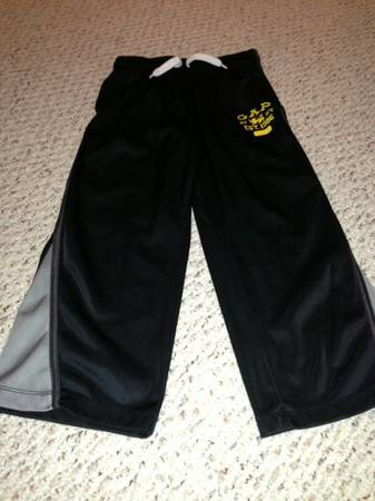 Boys GAP S (67) Black Track Pants - $7 (Baton Rouge)