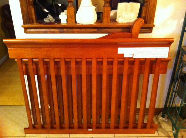 Canton 4-in-1 Convertible Crib, Cherry by Delta - $125 (Baker, LA)