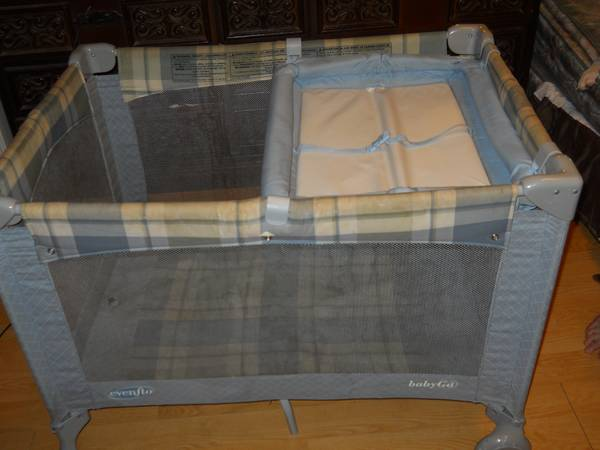 Evenflo PLAYPEN (with attachable changing table) - $25 (prairieville)