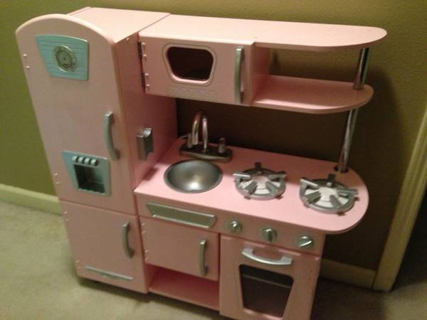 Kidkraft pink retro kitchen - $75 (Onealshenandoah area)