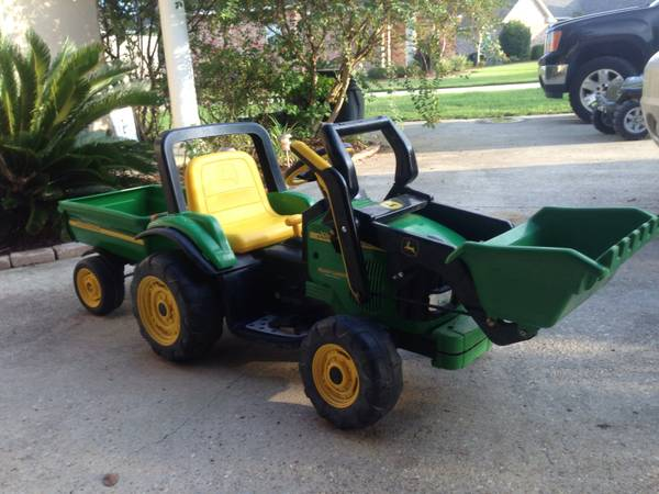 Peg Perego John Deere Ride On Tractor (like power wheel) - $85 (Zachary)