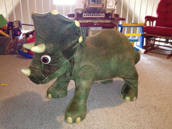 Kota the 3 Foot Dinosaur - $75 (Hwy 12  Oneal)