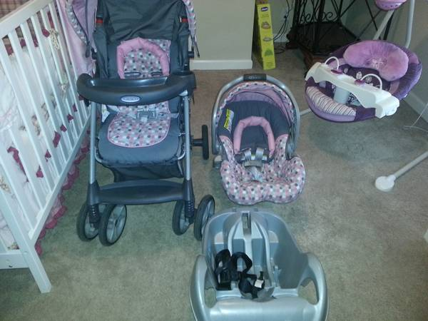 TRAVEL SYSTEM AND BOUNCER SEAT - $125 (Prairieville)