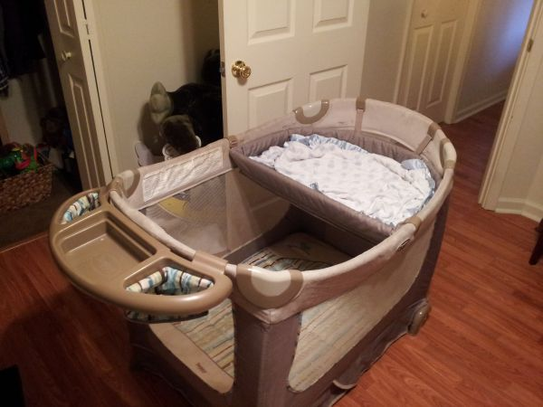Boppy Playpen portable crib - $60 (Baton rouge)