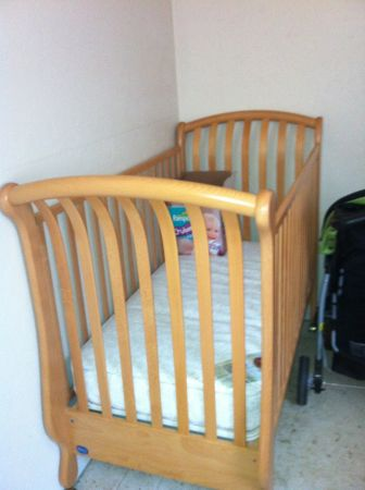 Like New Crib and Changing Table (Hammond)