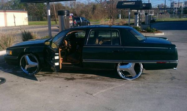 22 inch choppers Milanos or car also for sell asking $3000 - $800 (baton rouge)