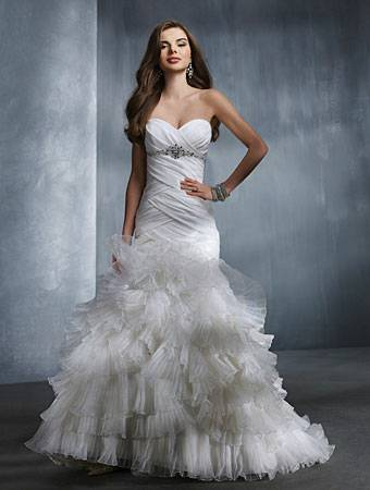 Alfred Angelo Wedding Dress 2308 with veil - $600 (Baton Rouge and surrounding areas)