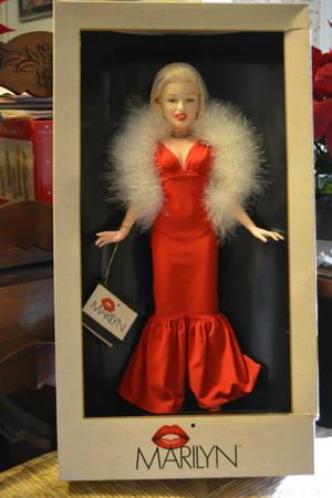 Marilyn Monroe Doll -   x0024 40  South Baton Rouge