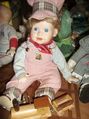 Estate Lot of 17 Collectible Porcelain Dolls - $120 (Baton Rouge)