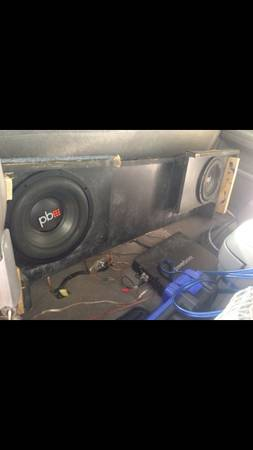 2 10 powerbass subwoofer with box - $1 (Gonzales)