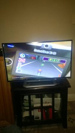 32 inch vizio smart tv 2013 has net flix and more less than a month old need cas - $180 (downtown baton rouge)