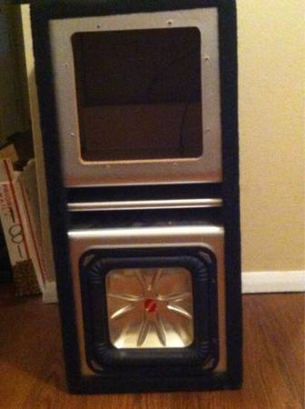 10 subwoofer box with 1000 watt sony xplod monoblock - $100 (LSU)