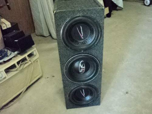 (2 AUDIOBAHN, 1 PUNCH) 3 - 10 INCH SPEAKERS IN BOX (WORKS) ( AUTO) - $100 (BATON ROUGE CENTRAL)