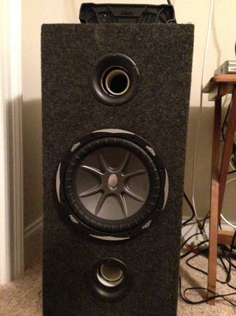 Kicker 10 cvx, box, and - $250 (New Orleans)