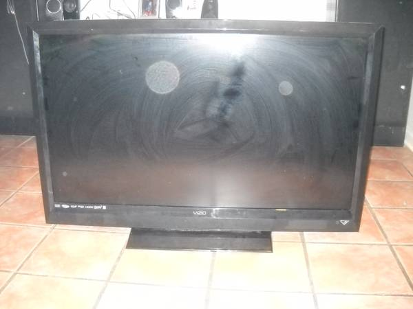 52 in vizio hd tv - $400 (baton rouge la)