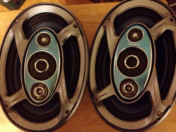 Pioneer 6x9 Speakers - $20 (Denham Springs)