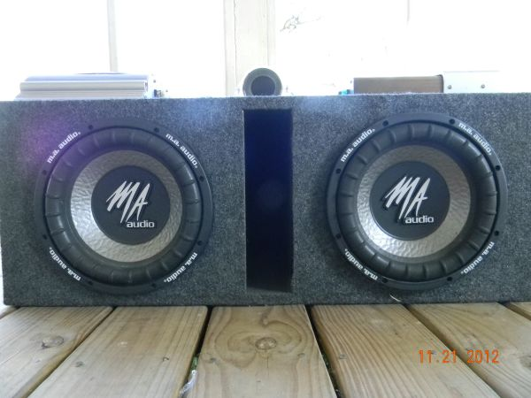 Great Deal Speakers, Box, 2 Amps, and compacitor - $200 (Hammond)