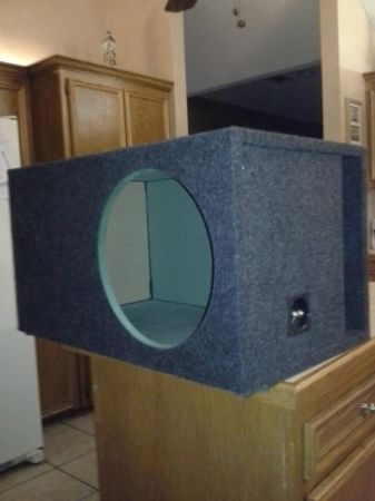 15 SINGLE-VENTED SUBWOOFER BOX - $50 (Baton Rouge, LA)
