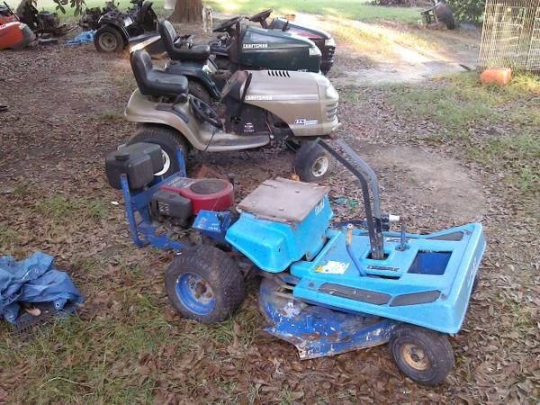 Craftsman riding lawn mower parts - $1 (HAMMNOD LA )